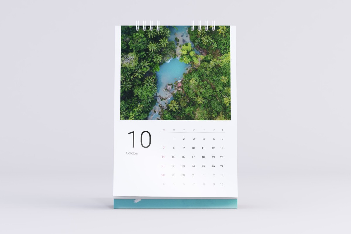 Adobe Indesign Calendar : Sea water free calendar template for indesign pagephilia